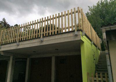 Pose de barrières en bois autoclave